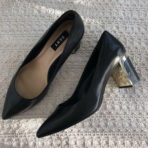 DKNY Elie Mid Pump Black Leather 7.5